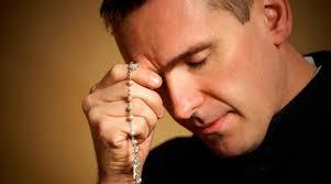 rezando e duvidas
